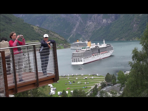 Geiranger waterfall - Norway HD