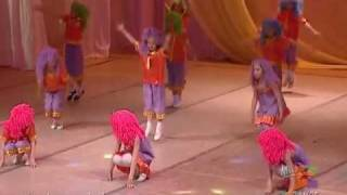 Барбарики Доброта - детский танец Барбариков. mix dance(Танец Барбарики - украшение детского праздника, которым является для учеников школы современного танца..., 2011-09-13T06:34:15.000Z)