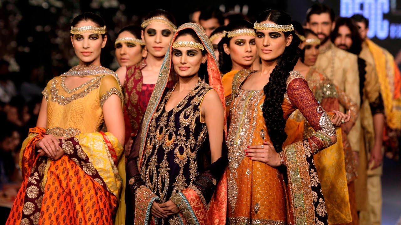 Pakistani model dresses images