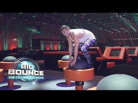 Big Bounce  Die Trampolin   Backstage  Martin testet die Parcours