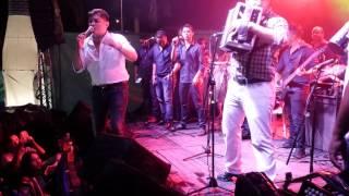 Download Me Bebo El Recuerdo - Mono Zabaleta En Vivo MP3 song and Music Video