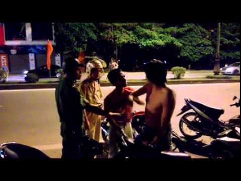 Cận cảnh thanh niên chô�ng đô�i csgt ở Phu� Thọ và ca�i kê�t.......