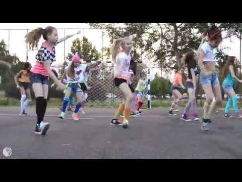 Omi  Cheerleader Choreography  Firecrackers  AQUA