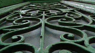 видео Навесы над входом в дом их значение и выбор