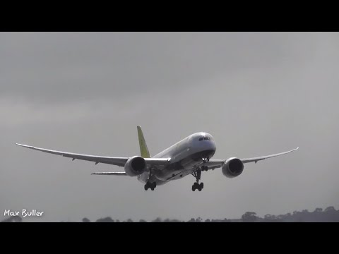 20+ Minutes of Plane spotting at Melbourne Airport- Morning Rush