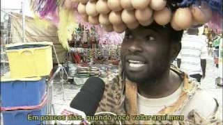 """""""Homem-Ovo"""" é atração na Cidade do Cabo"""