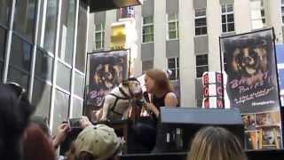 Jessica Keenan Wynn sings
