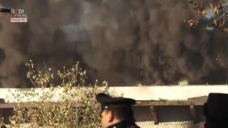 Roma, incendio nel centro smaltimento rifiuti di via Salaria