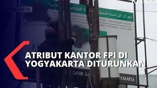 Atribut Kantor Sekretariat FPI di Yogyakarta Diturunkan Tanpa Perlawanan