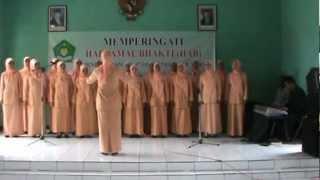 Mars  Dharma Wanita Persatuan dan Gotong Royong Rakyat Subang oleh Paduan Suara MTsN Cisalak