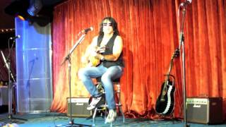 Paul Stanley KISS Kruise V: solo, private & acoustic: 6/11 Nowhere to run