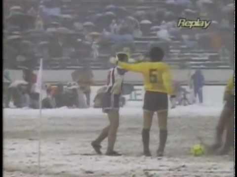 Peñarol 1 vs 2 Porto - Copa Intercontinental 1987 (divx)
