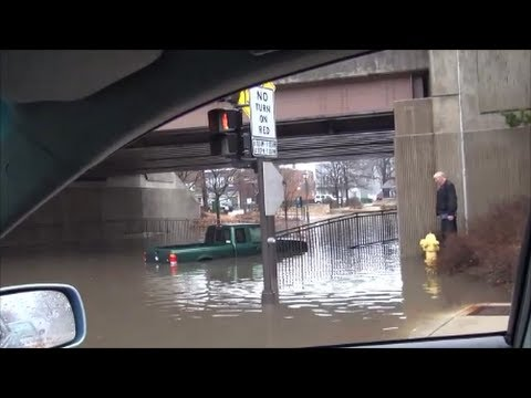 Chicago Flood 2013 - Dummies in Deep Water!!!