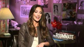 Minka compares 'the roommate' to 'single white female' and discusses landing a role on the new 'charlie's angels'visit: http://www.hollywood.com for more!