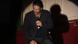 El Saludo [20 de Nov] - Ricardo Arjona - Bar AMAPOLA [en VIVO]