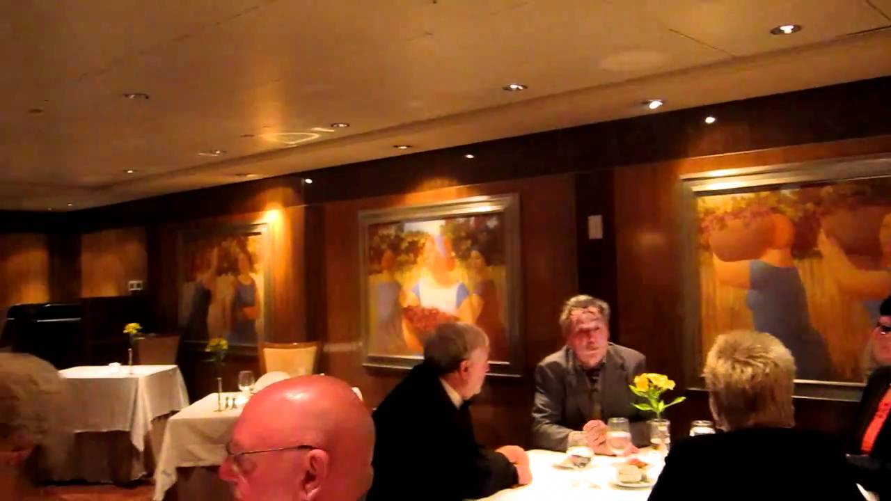 dining in the queen mary 2 britannia club youtube. Black Bedroom Furniture Sets. Home Design Ideas