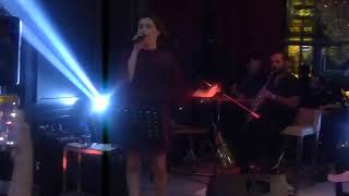 Selcan Asyalı - Yıllarım Gitti (Canlı Performans) Video