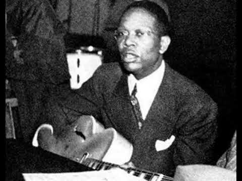 STOMPIN' AT THE SAVOY (1941) - Charlie Christian live in small club