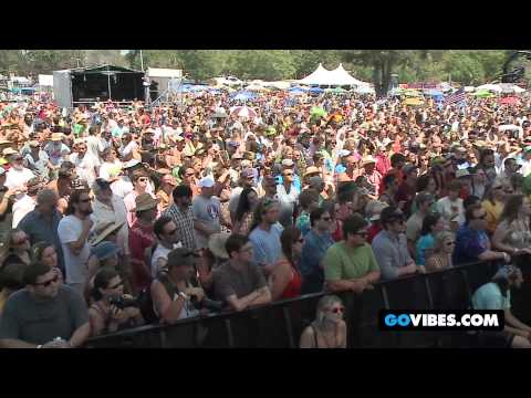 "Keller Williams Performs ""Apparition"" at Gathering of the Vibes Music Festival 2012"