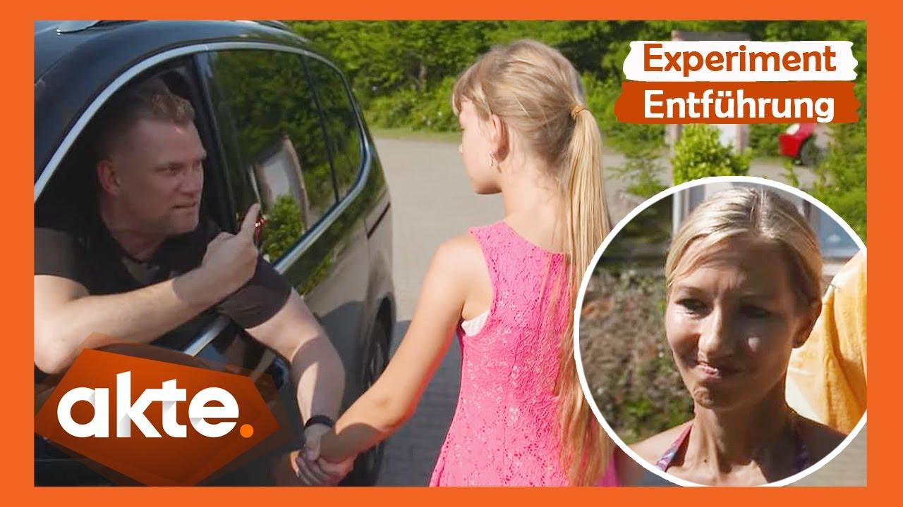 Download Würde Ihr Kind im Urlaub mit einem Fremden mitgehen? | Akte | SAT.1