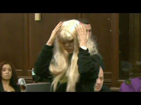 After Starting Fire, Amanda Bynes on Mental Health Hold