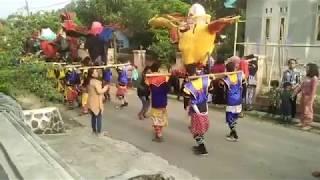 Anak Vs Janda Adu Goyang Di Tonton Se-Kampung