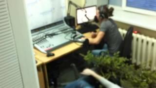 Приколы от радио Пляж. dj Упал в прямом эфире !!! (radio-beach)