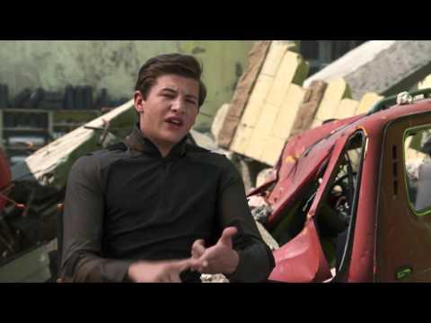 """X-Men Apocalypse """"Cyclops"""" Behind The Scenes Interview - Tye Sheridan"""