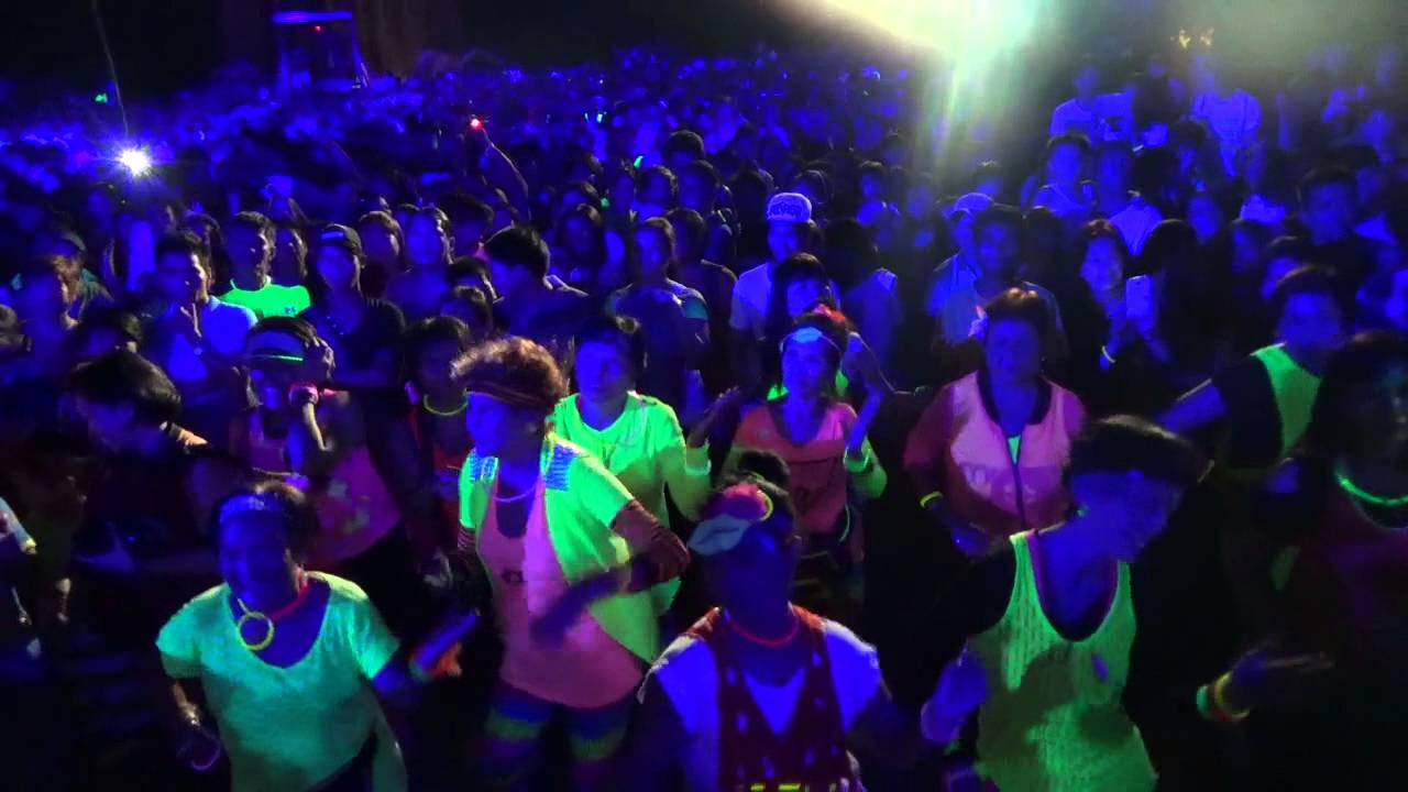 Are you looking for cheap glow supplies or neon glow supplies?We have tons of glow-in-the-dark party stuff!We're your one stop shop for cheap party glow supplies!Check out our novelty glow in the dark products! Buy glow in the dark products for your next party! If you need supplies for a glow in the dark party, we have them!We also have glow in the dark accessories!