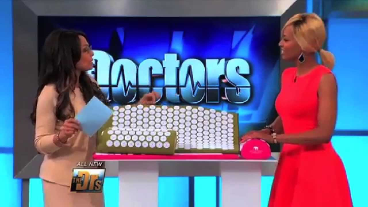 the doctors feature bed of nails acupressure mat and pillow