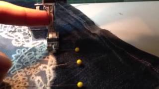 Tips on how to sew lace appliqués Thumbnail
