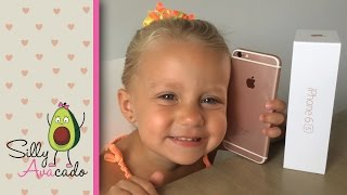 Rose Gold iPhone 6s Unboxing ❤ Mini Review by 3 Year Old Toddler ❤ Pink iPhone is the Best iPhone!