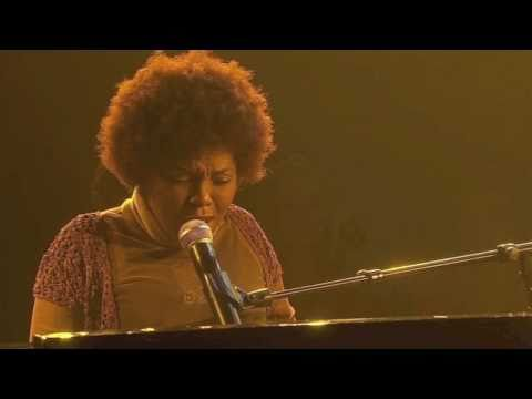 "Carleen performs ""Woman in Me"" on France's ""One Shot Not"""