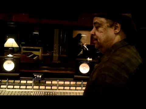 """Frank Russell / """"Code MD-2"""" / Studio Live"""