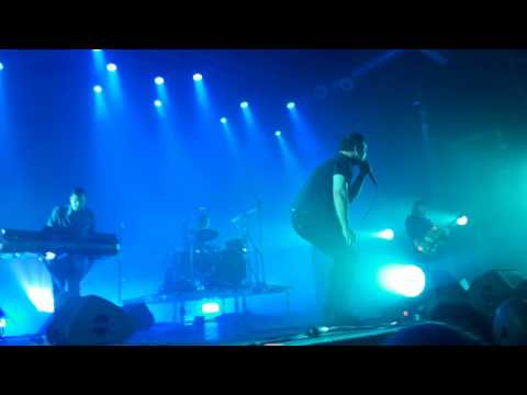 Time on her side   Future Islands at Razzmatazz Barcelona 2017