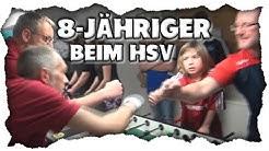 Landesmeister kickert mit seinem 8-jährigen Sohn in der Liga