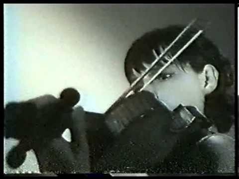 Irina Bochkova plays Paganini Caprice No.17