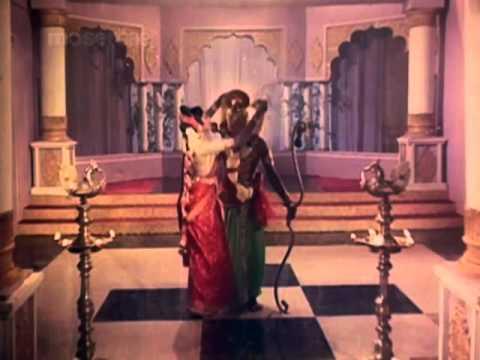 Naan yaar yaar endru solavillai Tamil Song - Jaishankar& Vijaya in Pattanathil Bootham