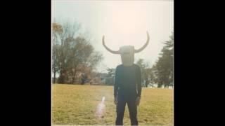 「鳴らせよ 鳴らせ」 is from the album 『ボトムオブザワールド』 (2015).
