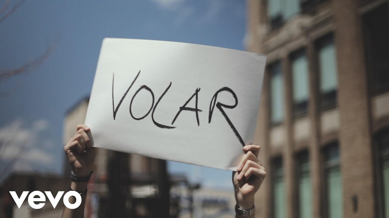 alvaro-soler-volar-lyric-video-alvarosolervevo