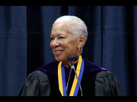 Angela Glover Blackwell receives UC Berkeley Haas Public Service Award