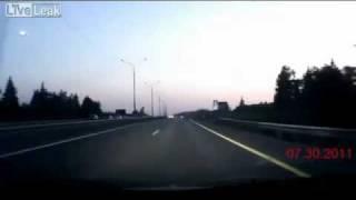 Repeat youtube video Una toccante raccolta di gravissimi incidenti stradali
