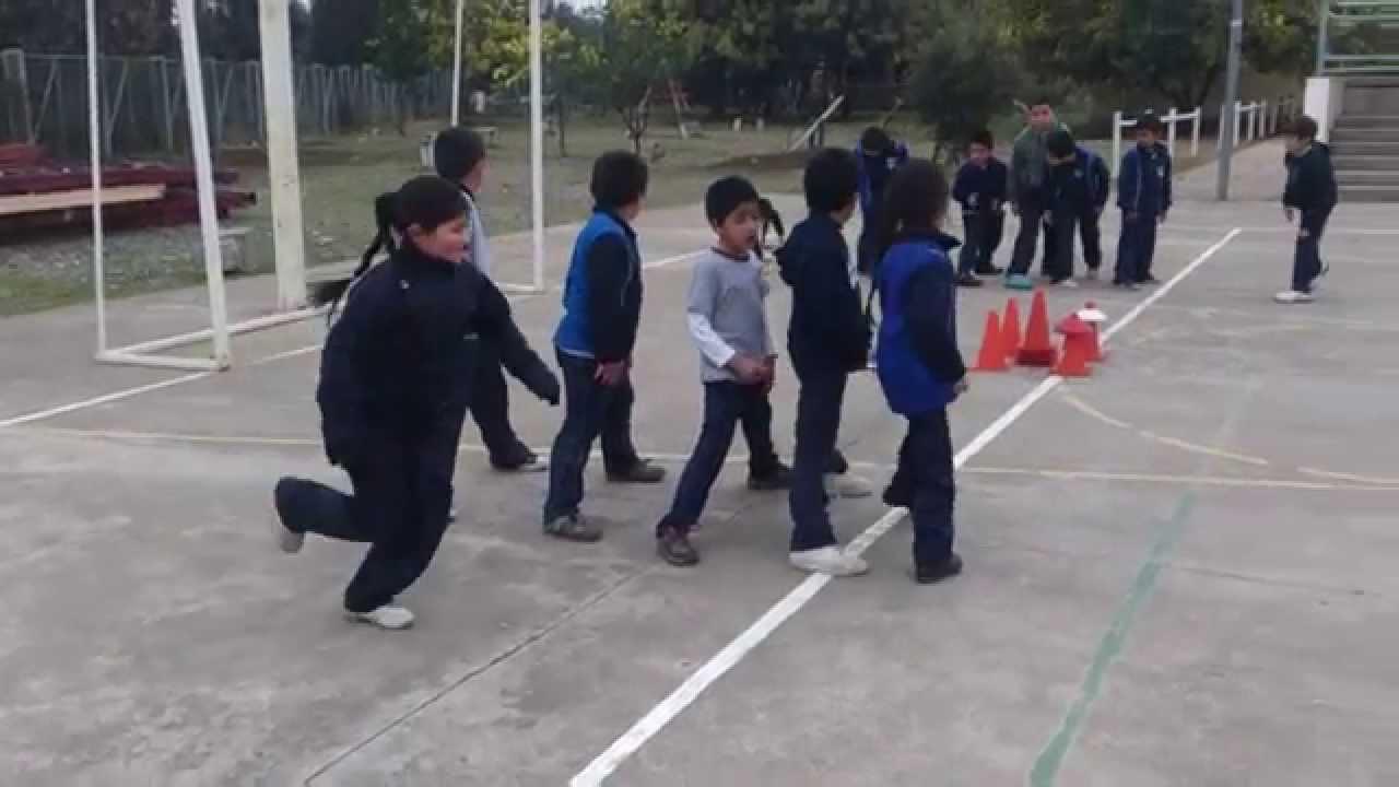 Educaci n f sica juegos de equipo youtube for Aparatos de ejercicio