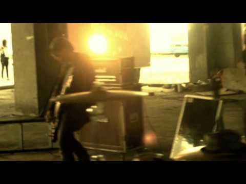 FREAK - FAITH ( OFFICIAL MUSIC VIDEO )
