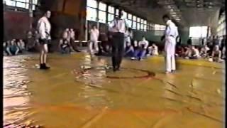 Карате Кекусинкай против боевого самбо(Открытый чемпионат Москвы по боевому самбо среди студентов. Я был единственным фриком - в кимоно. Этот бой..., 2011-08-02T19:59:17.000Z)