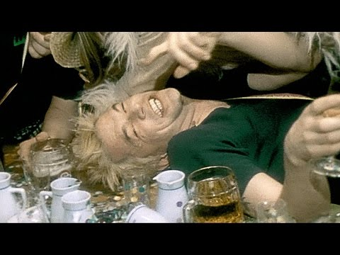 "Die Toten Hosen // ""Auld Lang Syne"" [Offizielles Musikvideo]"