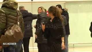Leo Messi y Antonella Rocuzzo llegan a  Barcelona después del Ballon D'Or 2014