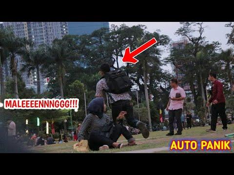 NEKAT!!! BAWAK LARI HP ORANG GAK DIKENAL - PRANK INDONESIA