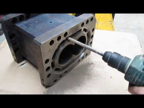 Cleaning of cooling channel - extruder barrel type Cool & Clean.