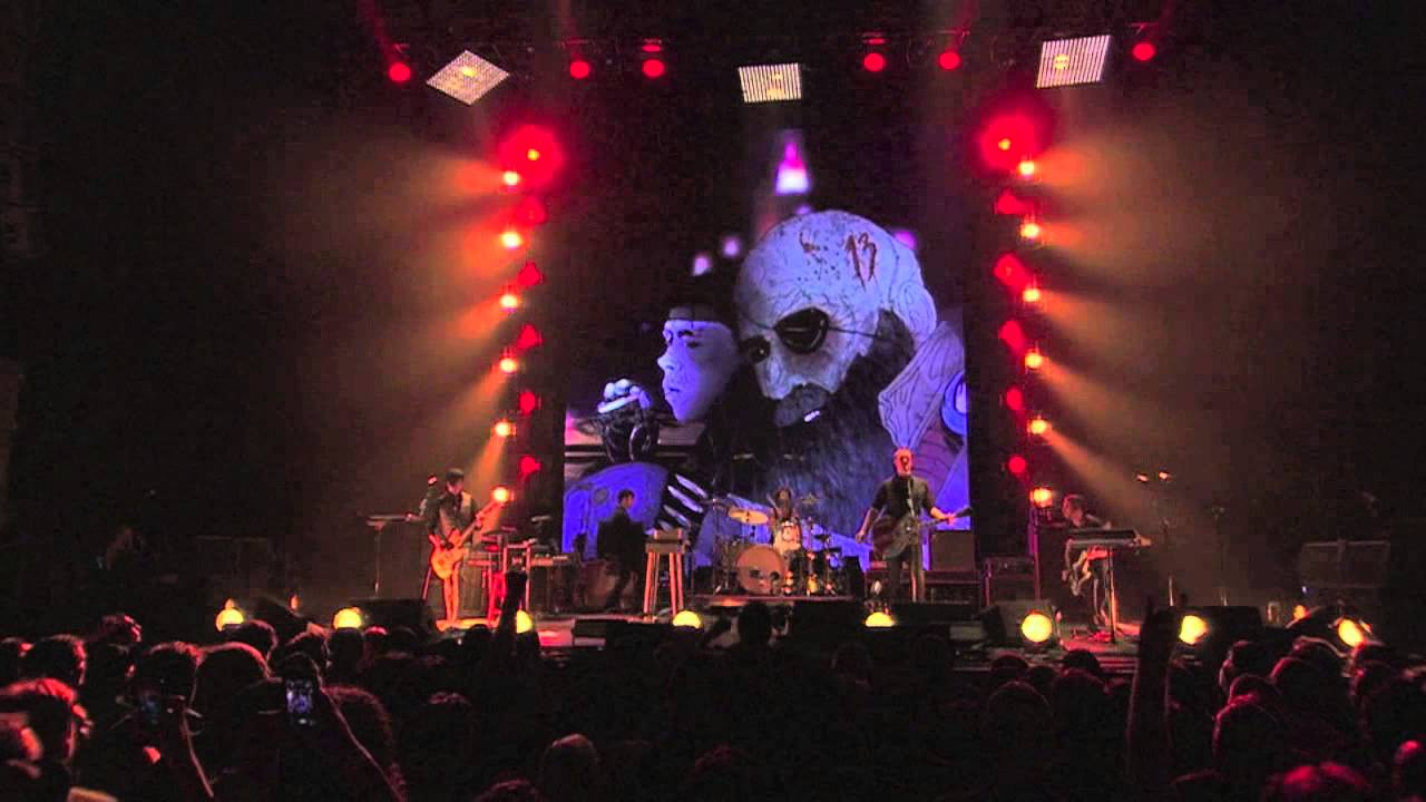 queens-of-the-stone-age-if-i-had-a-tail-live-queens-of-the-stone-age